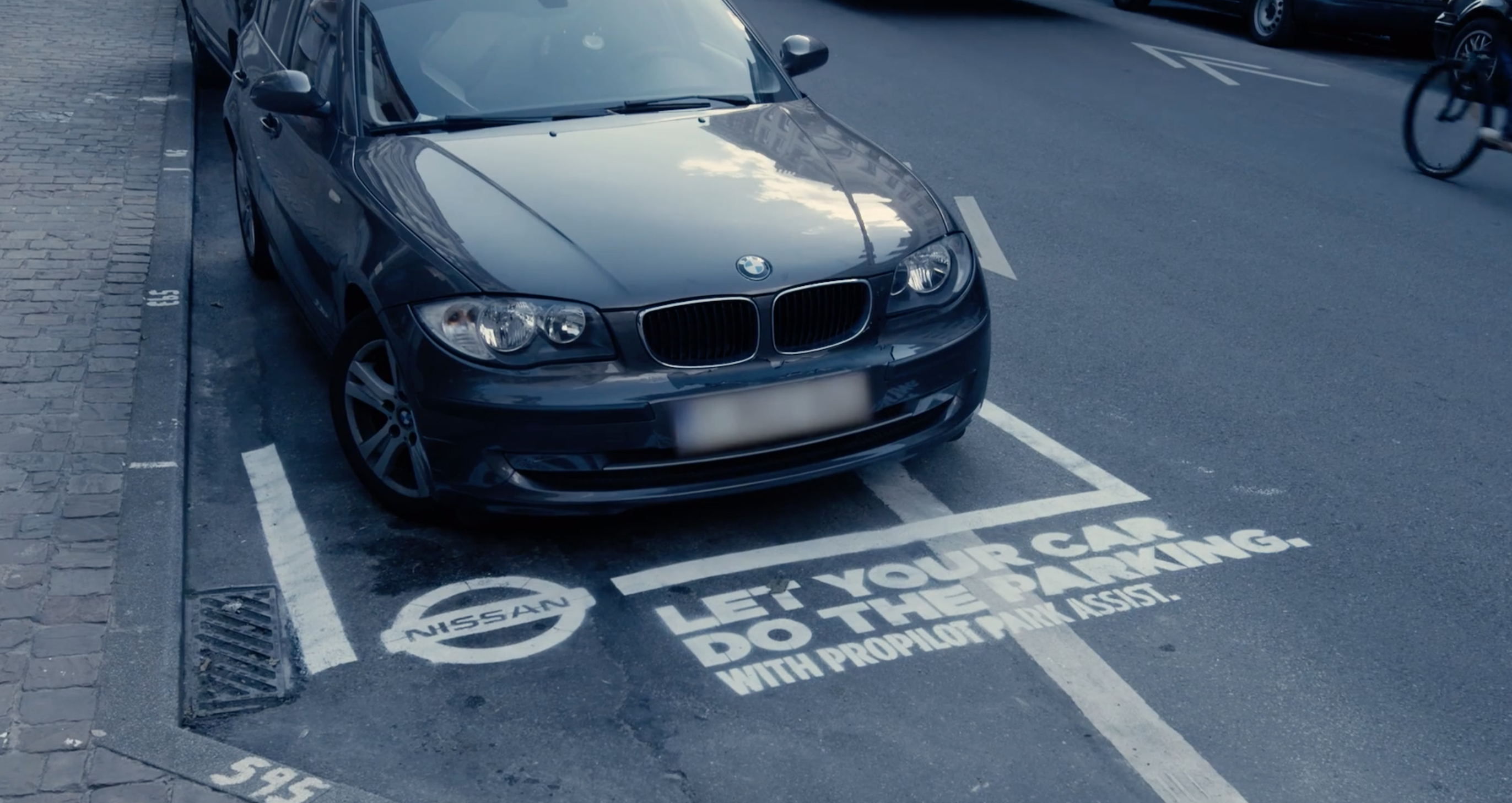 Nissan Benelux – Dumb parking ads
